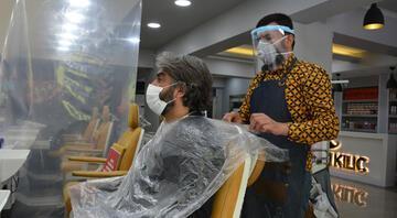 50 gün sonra yeniden Berber, kuaför ve güzellik salonları müşterilerine kavuştu
