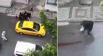 Şoke eden anlar Doğum yapan kadını taksici aracından attı