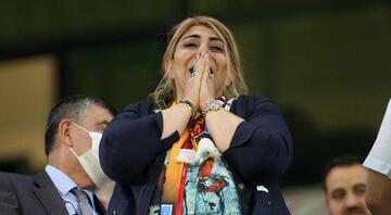 Kayserispor Başkanı Berna Gözbaşının duygu dolu anları Gözyaşlarını tutamadı
