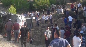 Mersinde askerleri taşıyan otobüs devrildi: 4 asker şehit oldu, 2 şoför hayatını kaybetti
