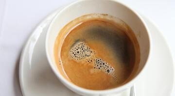 Uzmanlar ikiye bölündü… Hamilelikte kafein zararlı mı