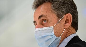 Eski Fransa Cumhurbaşkanı Sarkozynin yolsuzlukla yargılandığı davada 4 yıl hapsi istendi