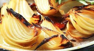 Neredeyse her gün tüketiyoruz Soğan yiyince mide yanmasının sebebi...
