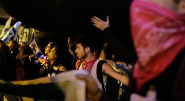İsrailde protestolar sürüyor Netanyahu evine git