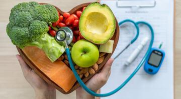 Diyabet kontrol altına alınmazsa pek çok hastalığa sebep oluyor