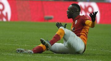 Galatasarayda Mbaye Diagne şoku Cüneyt Çakır affetmedi...