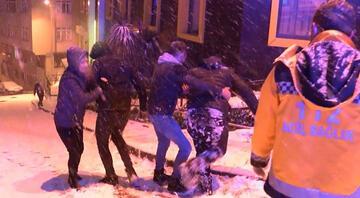 Ara sokaklar buz pisti gibi; servis takla attı