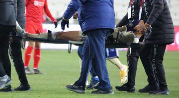 Son Dakika | Fenerbahçede sakatlık şoku Tisserand sedyeyle çıkarıldı...