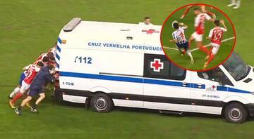 Braga - Porto maçında yürek burkan sakatlık Futbolcular ambulansı itti...