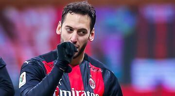 Milanda Stefano Pioliden Hakan Çalhanoğlu açıklaması Yeni kontrat...