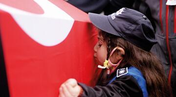 Türkiye şehitlerini uğurluyor... En acı kavuşma
