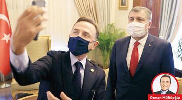 Sağlık Bakanı'yla aşı sohbeti