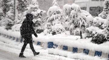 Bugün okullar tatil mi Okullar hangi illerde tatil oldu İşte18 Şubatta kar tatili olan illerle ilgili valiliklerden yapılan açıklama