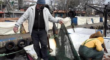Marmarada deniz salyası arttı, balıkçılar avlanmaya çıkamıyor
