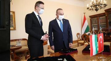 Bakan Çavuşoğlu, Macar mevkidaşıyla görüştü