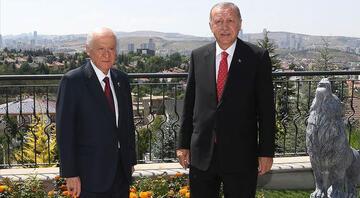 MHP lideri Bahçeli, Cumhurbaşkanı Erdoğanın doğum gününü kutladı
