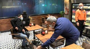İstanbulda kafe ve restoranlar ilk müşterilerini aldı