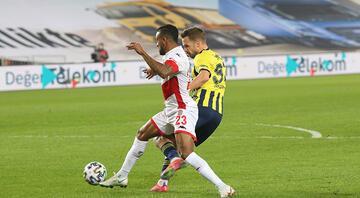 Fenerbahçe-Antalyaspor maçında tartışmalı penaltı kararları İki takım da...