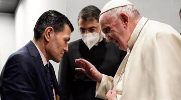 Papa Franciscus, Erbilde Aylan bebeğin babasıyla görüştü