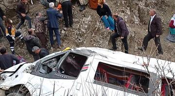 Batman Valisi: 2 öğrencinin öldüğü kazayla ilgili bakanlık müfettişleri soruşturmaya başladı