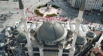 Taksim Camiindeki son durum havadan görüntülendi