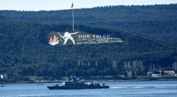 Yunan savaş gemisi Çanakkale Boğazından geçti