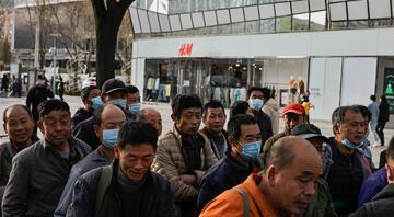 Dev şirketlerle Çinin Uygur Türkleri kavgası büyüyor Mağazalar tek tek kapanmaya başladı
