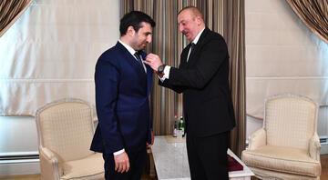 Azerbaycan Cumhurbaşkanı Aliyevden Bayraktara Karabağ Nişanı