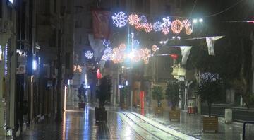 Meteoroloji uyarmıştı... İstanbulda beklenen yağış başladı