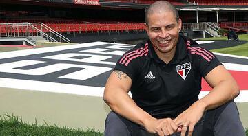 Alex de Souza resmen antrenör oldu 2 yıllık imza...