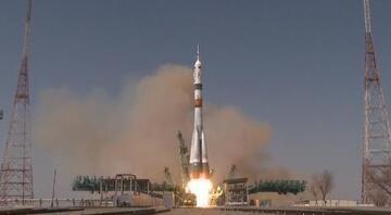 NASA astronotu ve kozmonotların ISS'e yolculuğu başladı