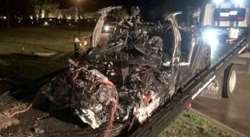 Elon Musk: 2 kişinin öldüğü Tesla kazasında otopilot devrede değildi