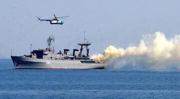 Rus savaş gemileri Karadenizde tatbikata devam ediyor