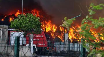Osmaniyede geri dönüşüm fabrikasında yangın paniği
