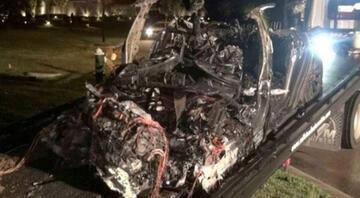 Tesladan ölümlü kaza sonrası açıklama: Sürücü koltuğu boş değildi