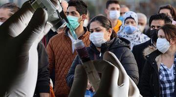 Türkiyenin aşı ikna timleri dünya basınında