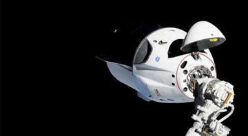 SpaceXin 4 astronotu taşıyan kapsülü Dünyaya döndü