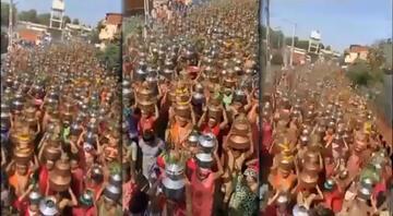 Son dakika haberler... Hindistanda akılalmaz anlar: Binlercesi virüs kovmak için böyle yürüdü
