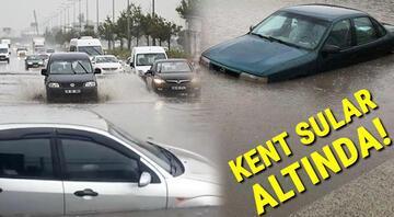 Ankarada yoğun sağanak Cadde ve sokaklar göle döndü