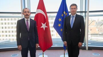 Ticaret Bakanı Muş, AB Komisyonu Kıdemli Başkan Yardımcısı Dombrovskis ile görüştü