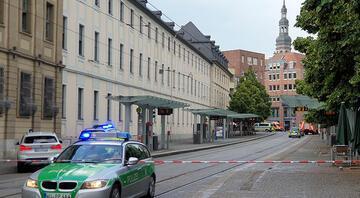 Almanyada bıçaklı dehşet 3 ölü, 6 yaralı