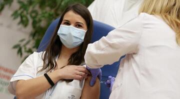 Fransadan flaş karar Hastane ve bakımevi çalışanlarına Kovid-19 aşısı artık zorunlu