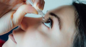 Göz Kuruluğuna Ne İyi Gelir ve Nasıl Geçer Göz Kuruluğu Neden Olur Evde Göz Kuruluğuna İyi Gelen Bitkisel Çözümler ve Doğal Yöntemler