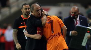 Galatasaraylı futbolcu Kerem Aktürkoğluna büyük destek