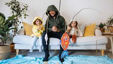 Çocuğunuzla evde keyifle oynayabileceğiniz 6 faydalı oyun
