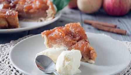 Son dönemlerin en popüler tatlısı Tarte Tatin'ı evde yapalım mı?