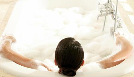 Rahatlamanıza yardımcı olacak banyo kürü tarifi