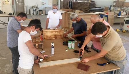 Üniversiteli marangozlar