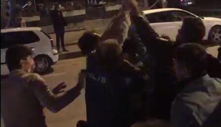 Eğlence mekanına alınmayınca havaya ateş açan polise gözaltı