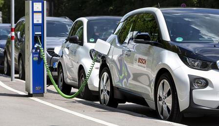 Üniversitelilere elektrikli mobilite eğitimi